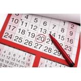 folha calendário mensal